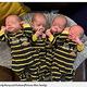 顔がそっくりな一卵性の4つ子(画像は『Metro 2020年5月22日付「Mum gives birth to identical quadruplets, defying one in 15 million odds」(Picture: Marr family)』のスクリーンショット)