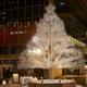 東京ガーデンテラス紀尾井町のイルミネーション、クリスタルガラス約48,000粒のツリーなど