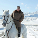 北朝鮮・白頭山で白馬に乗る金正恩(キム・ジョンウン)朝鮮労働党委員長。国営朝鮮中央通信配信(撮影日不明、2019年10月16日配信)。(c)AFP=時事/AFPBB News