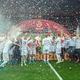 サッカー欧州選手権、予選グループG、ポーランド対北マケドニア。予選突破を喜ぶロベルト・レワンドフスキ(左手前)らポーランドの選手(2019年10月13日撮影)。(c)Lukasz Szelag / AFP