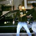 酔って暴れた錦戸を仲間たちがタクシーに押し込むも、「アホか!
