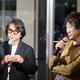 レセプションを開いた、藤井フミヤ(写真左)