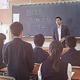 立って回答する生徒