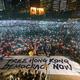 香港では6月から逃亡犯条例改正案に反対する抗議デモが続いている。写真は6月のG20大阪サミットに合わせて開催された集会(民陣提供/DARIUS CHAN HO SHUN)