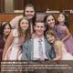 """5人の女の子を養子に迎えた夫妻(画像は『Inside Edition 2019年7月11日付Twitter「Chris Norton, the paralyzed groom who went viral after miraculously walked down the aisle at his wedding, has now adopted five girls with his wife and is writing a memoir, """"The Seven Longest Yards.""""」』のスクリーンショット)"""