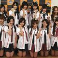 前列左から篠田麻里子、松井珠理奈(SKE48)、前田敦子、高