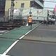 京急列車と衝突したトラック まったく動かない様子が事故直前の映像に