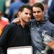 全仏オープンテニス、男子シングルス決勝。表彰式に臨むラファエル・ナダル(右)とドミニク・ティエム(2019年6月9日撮影)。(c)Philippe LOPEZ / AFP