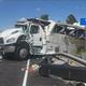 米・ユタ州でツアーバス横転 客席が大破し4人死亡