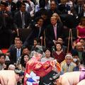 「安倍社交」(Photo by Brendan SMIALOWSKI / AFP=時事)