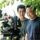 チャ・スンウォン主演、映画「がんばって、ミスター・リー」撮影現場のスチール写真を公開…猛暑の中でも笑顔