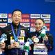 銅メダルを獲得した安部篤史(左)と足立夢実=韓国・光州