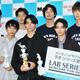 (前列左から)水沢林太郎、野村大貴、豊田裕大、(後列左から)鈴木仁、成田凌、清原翔、宮沢氷魚