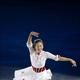 フィギュアスケートのGPシリーズ第3戦の中国杯。ショートプログラムの2位からフリーで逆転し、大会を制した浅田真央がエキシビションで華麗な演技を披露した。 同大会で、浅田は日本人最多のGP通算9勝目を挙げた。 (撮影:フォートキシモト)  [2012年11月4日、上海オリエンタル・スポーツ・センター/中国]