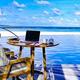 青い海や真っ白なビーチを背景にビデオ会議をしてみる?/The Nautilus Maldives