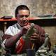 チベット族の村に受け継がれる伝統の手工芸 四川省