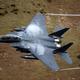 英国でスカイダイバーとF15戦闘機が危うく衝突する事態が発生/Christopher Furlong/Getty Images