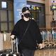 【PHOTO】Wanna One出身オン・ソンウ、海外スケジュールを終えて帰国…爽やかな笑顔(動画あり)