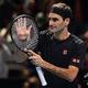 男子テニス、ATPワールドツアー・ファイナルズ3日目。勝利を喜ぶロジャー・フェデラー(2019年11月12日撮影)。(c)Glyn KIRK / AFP