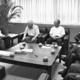 (写真)山下氏(左から2人目)と懇談する金子委員長(その右)ら全日本年金者組合の新役員=19日、日本共産党本部