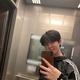 Wanna One出身キム・ジェファン、鏡越しのセルフショットを公開…ファンから「可愛い」の声