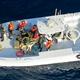 米国防総省が公開した写真。日本の海運会社が運航するタンカーから不発の水雷を除去した後、現場を離れる革命防衛隊の巡視船と米側は主張している