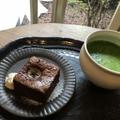 チョコレートブラウニー 450円 抹茶ラテ 550円