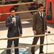 大阪大会のリング上で対面した太田(左)と所