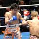 河野洋佑(右)に7回TKO勝ちした渡部大介