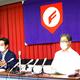 運営委員会後の会見で話をする山形県高野連・阿部会長(左)と菅谷理事長