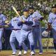 野村氏、若松氏らが参加  ヤクルトOB戦の4回、打席に立つ野村克也氏(中央)と(左から)真中、川崎、古田、池山の各氏=神宮