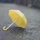 梅雨時、雨の日には欠かせないレイングッズにまつわる疑問3選