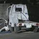 少年6人が乗った軽トラが塀に衝突 2人死亡、1人意識不明