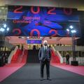 カンヌ国際映画祭の会場と映画祭のディレクターであるティエリ