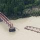 豪雨で熊本県のくま川鉄道に受難 SLが走る人気の観光鉄橋が流出