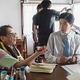撮影現場の様子 - 主演の柄本佑(右)と高橋伴明監督  - (C) 「痛くない死に方」製作委員会