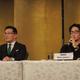 会見で抱負を語る朝倉未来(右)。左は榊原CEO