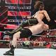 セス・ロリンズ(上)をジャーマンで投げるブロック・レスナー(C)2019 WWE, Inc. All Rights Reserved.