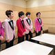 安倍晋三首相は、東京ドームでのコンサート鑑賞後、嵐のメンバーと面会した(首相官邸インスタグラムより)
