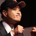 巨人の元監督・原辰徳氏をまねた、神奈月