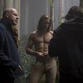 『ターザン:REBORN』撮影中のデイヴィッド・イェーツ監督とアレ