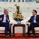 中国首相、「改革と開放にコミット」 海外企業トップらに表明