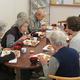 """戸山ハイツの健康、医療、介護などの相談拠点『暮らしの保健室』で行われている""""からだに優しい食事会""""。1人500円"""