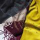 トゥモローランドにて、カシミアストールにイニシャル刺繍ができるイベントを開催