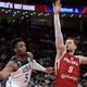 FIBAバスケットボール・ワールドカップ、7位決定戦、米国対ポーランド。パスを狙う米国のドノバン・ミッチェル(左、2019年9月14日撮影)。(c)NOEL CELIS/ AFP