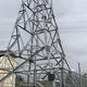 防災無線鉄塔への設営例(同社提供)