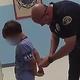 米フロリダ州の小学校で8歳の男の子が警察に逮捕された際の映像が公開された/Shared by Ben Crump