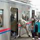 専用切符で乗る行商列車 京成電鉄で生き残った理由