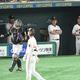 5回巨人無死一塁、巨人・坂本勇人が左飛に倒れ、厳しい表情の巨人・原辰徳監督=東京ドーム(撮影・金田祐二)