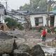 台風19号では甚大な被害が生まれた(時事通信フォト)